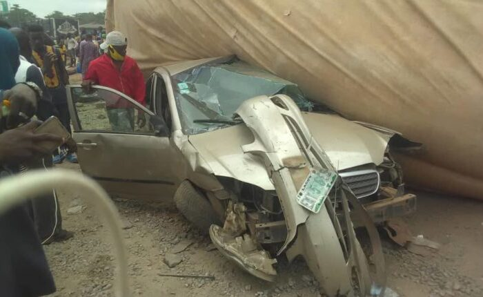 Two Killed, 7 Others Injured As Dangote Truck Crushes 3 Vehicles, 3 Motorcycles In Multiple Accident