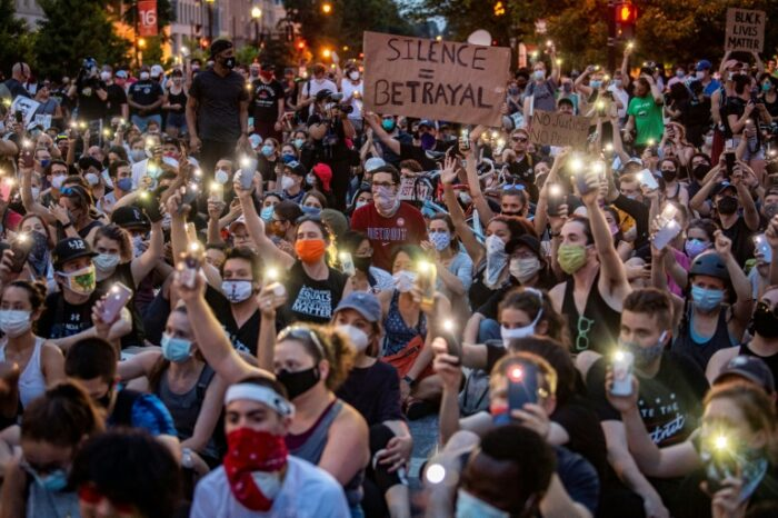 Please bring supplies: How US protests are coordinated online