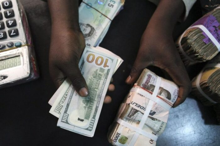 Naira remains stable against the dollar to close at N467/$1 on Monday