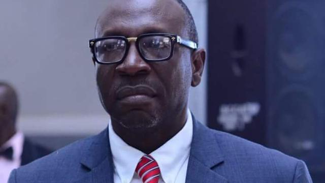 Edo Election: Ize-Iyamu pledges N4.5M to fix electricity at Ibore community