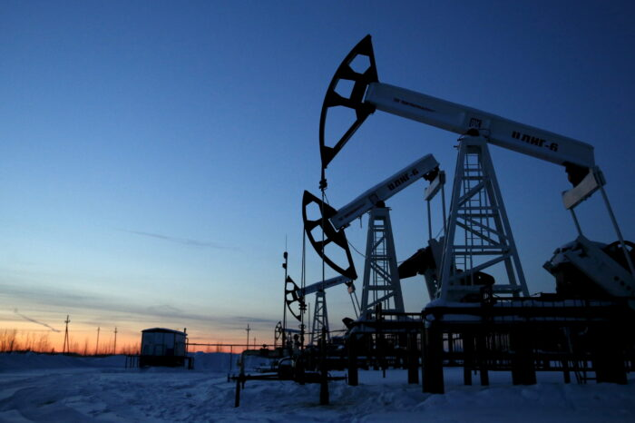 China's August crude oil imports jump 13% on year as delayed cargoes clear customs