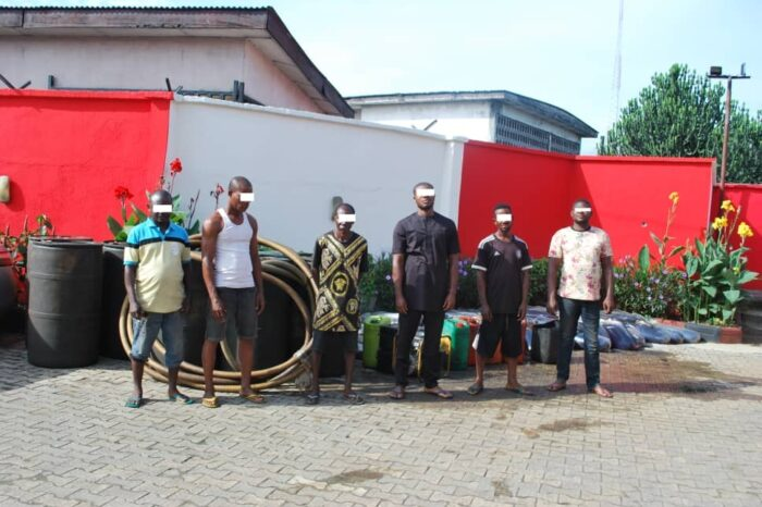 EFCC Arrests 6 Suspected Illegal Oil Bunkerers in Port Harcourt